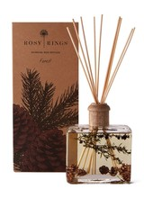 Rosy Rings Forest is hints of citron, golden raspberry and shaved ginger submerged into a deep woodsy-green base of clary sage, falling leaves, Scotch pine, creamy sandal, red cedar and white musk.