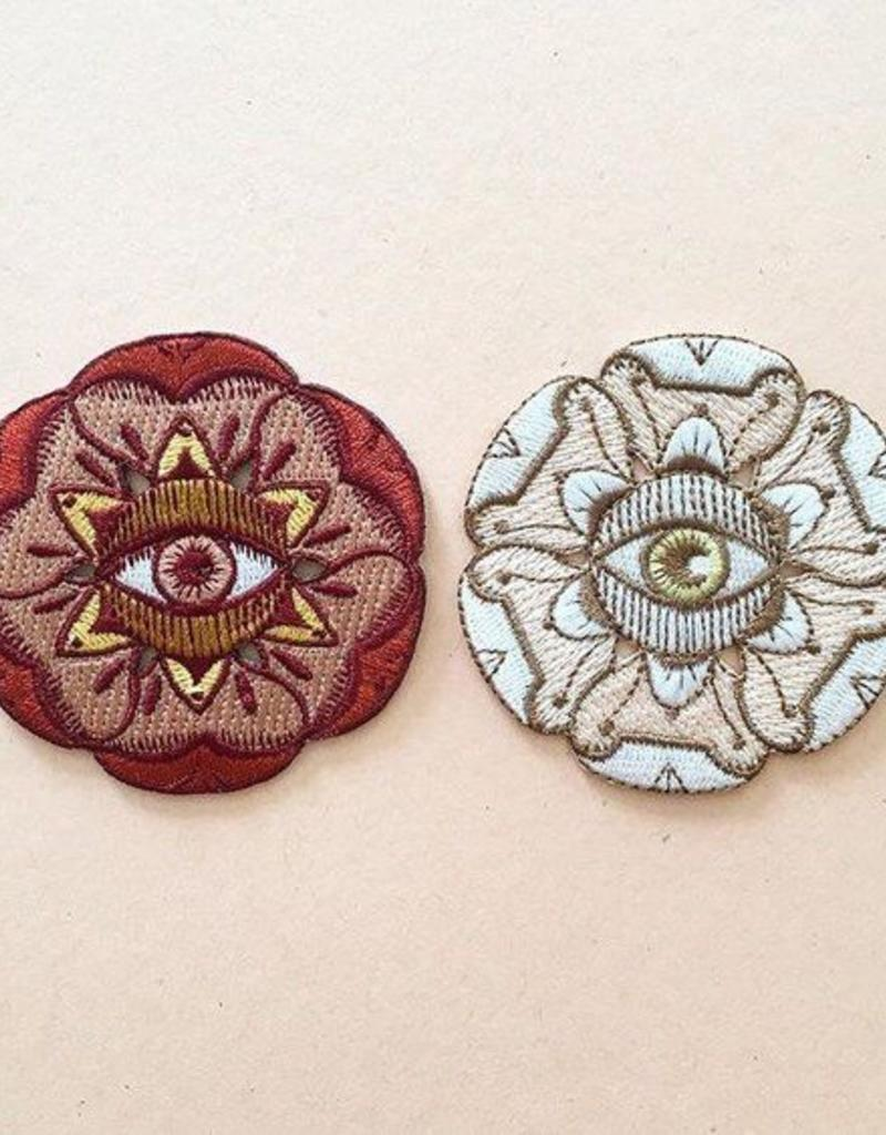 Paper Shuttle Eye Flora Patch - White