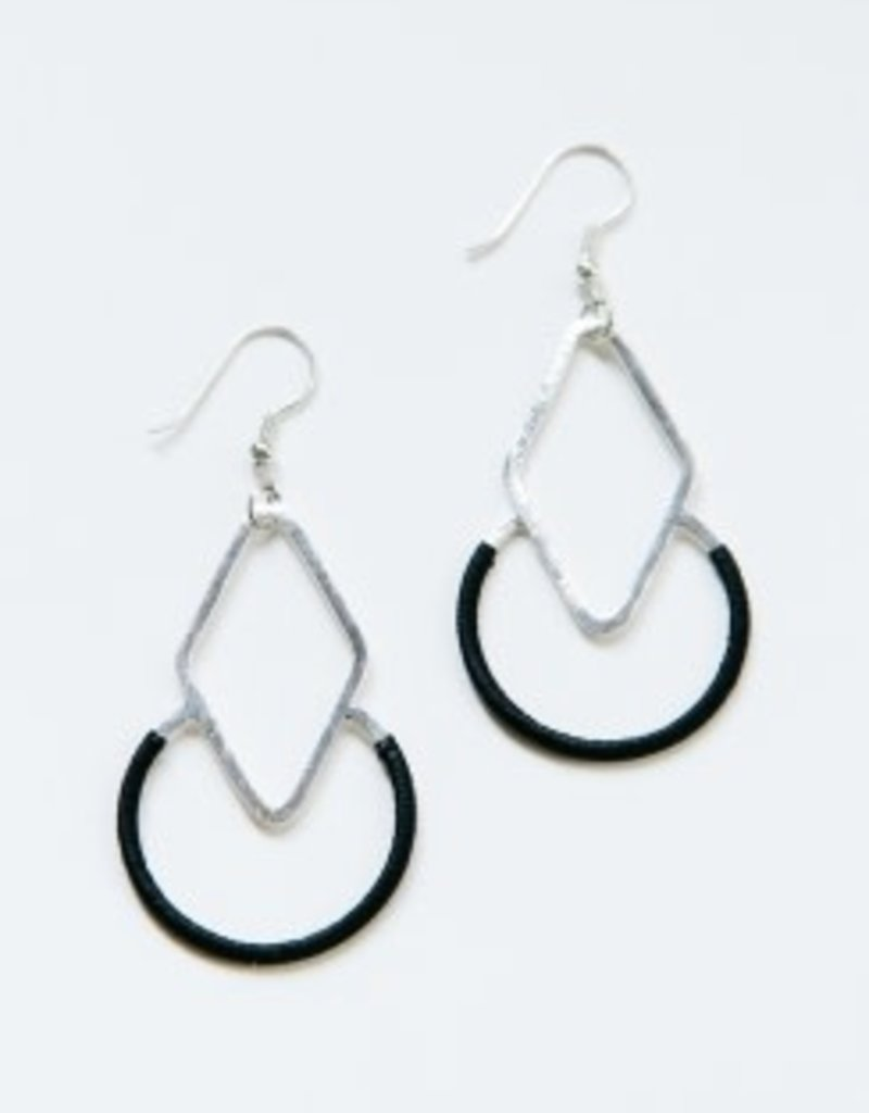 Mata Traders Graphic Threads Earrings - Black