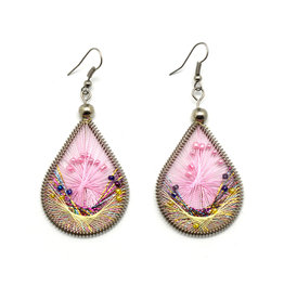 Dream Weaver Earrings - Pink Daisy