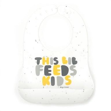 Wonder Bib Feeds Kids