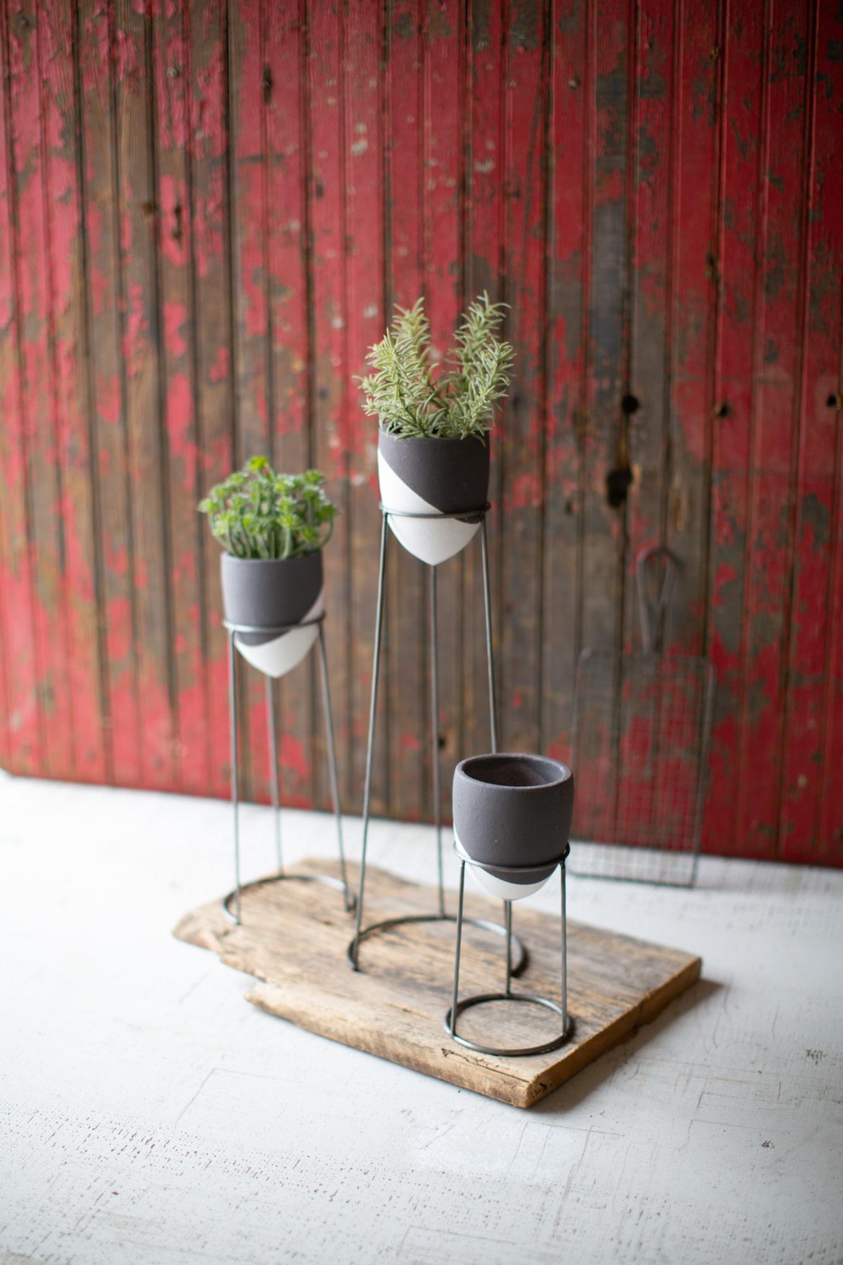 Kalalou Grey and White Wire Planter