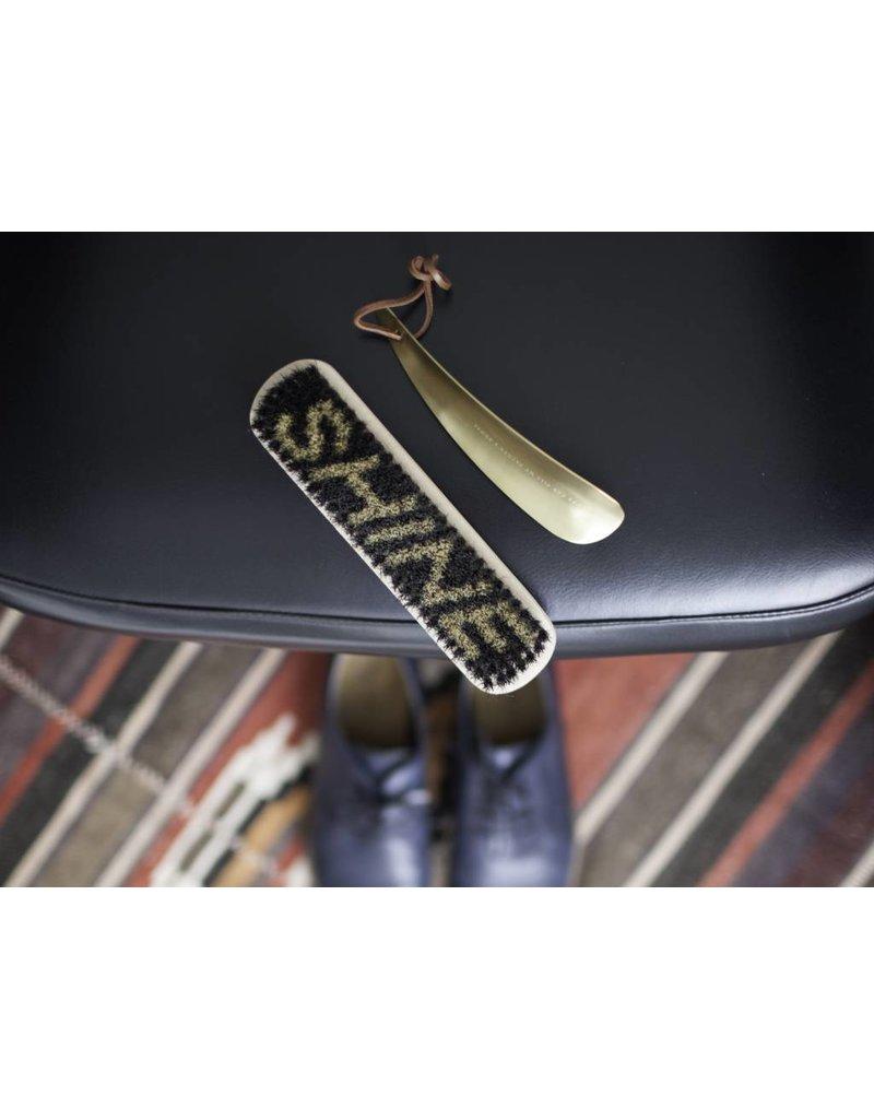 'Heel' Shoe Horn