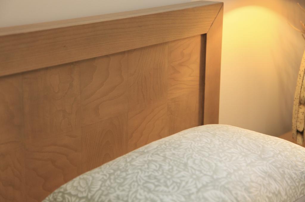 Palliser Annex Queen Bed By Sarah Richardson