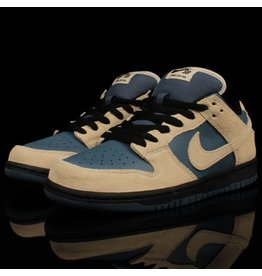 Nike SB Dunk Low Light Cream Thunderstorm