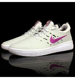 Nike Nike SB Nyjah Free Photon Dust Vivid Purple