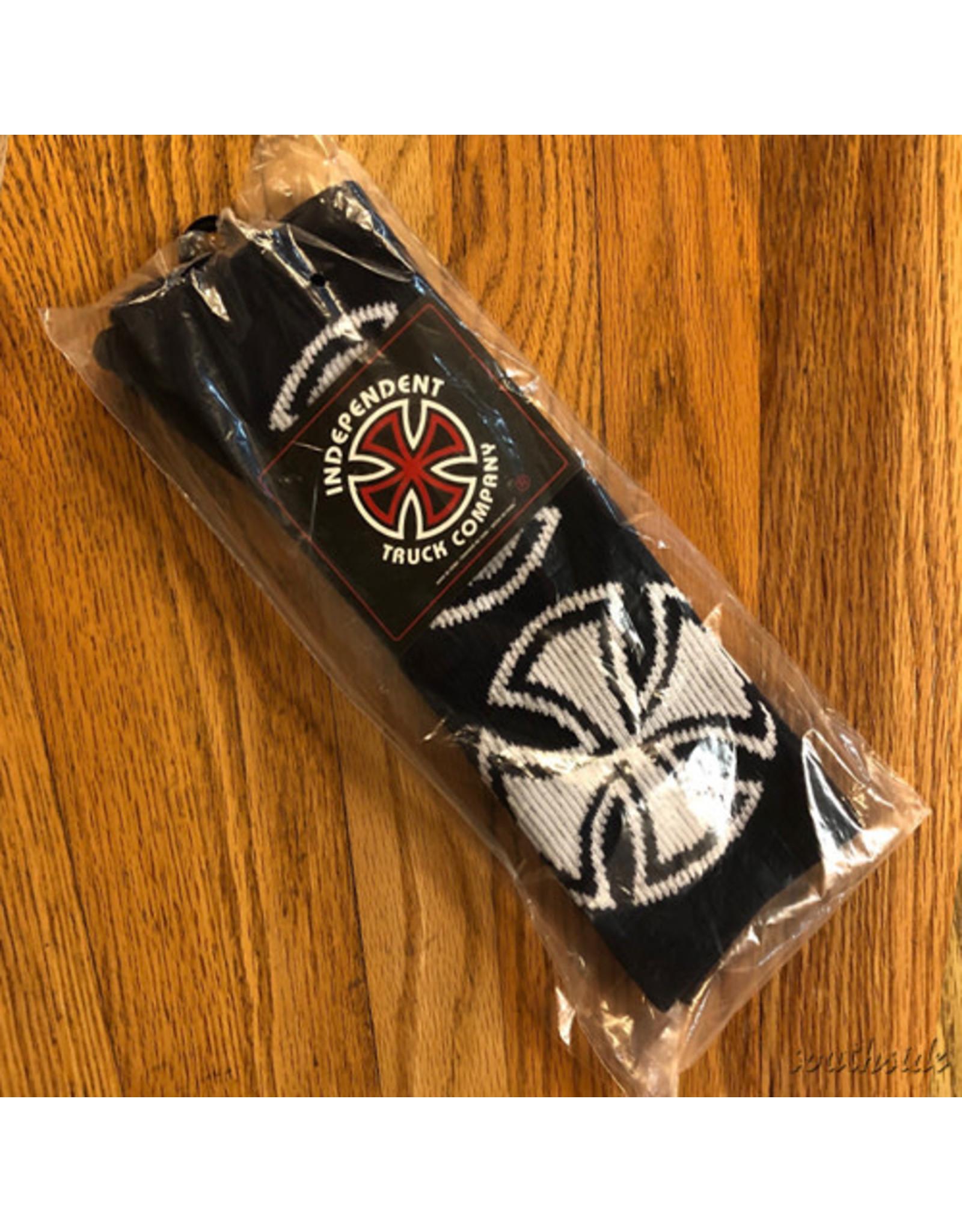 Indy Socks Size 9-11 Crosses Navy