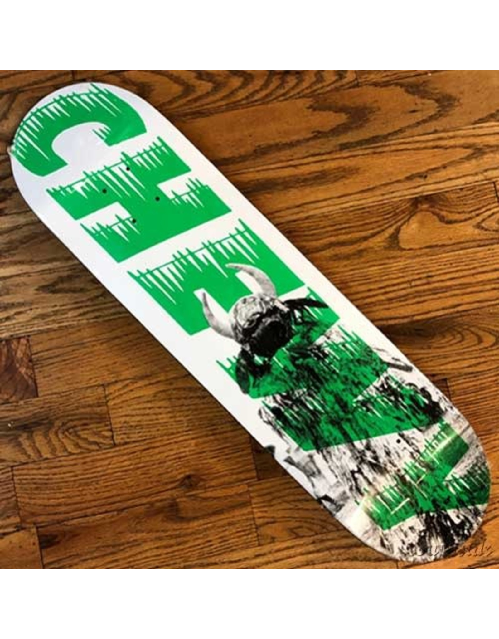 Palace Deck Chewy Pro 8.37x32.1