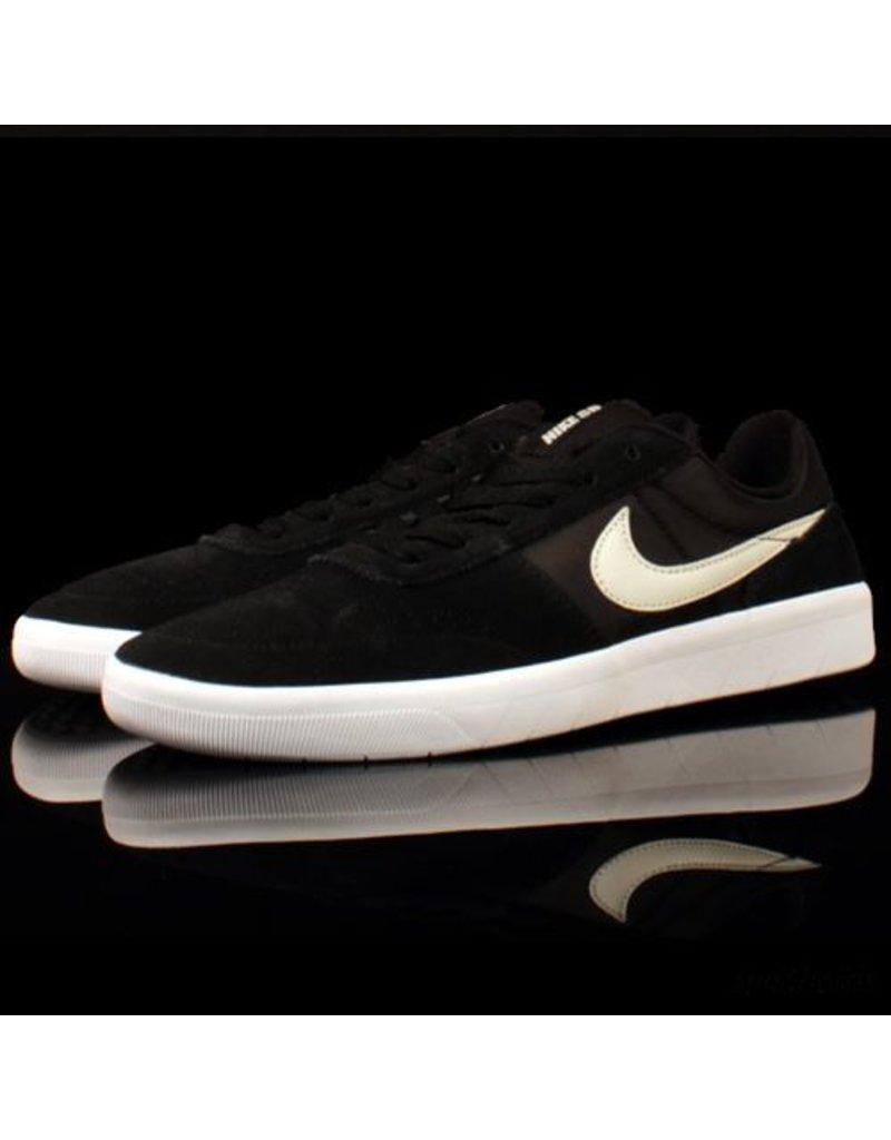 huge discount 8d1b8 6f4d0 Nike SB Team Classic Black Light Bone White ...