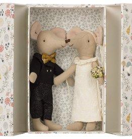 playtime Maileg wedding mice couple
