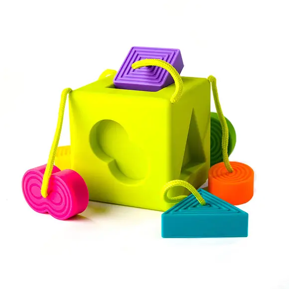playtime fat brain toys oombee cube, 10m+