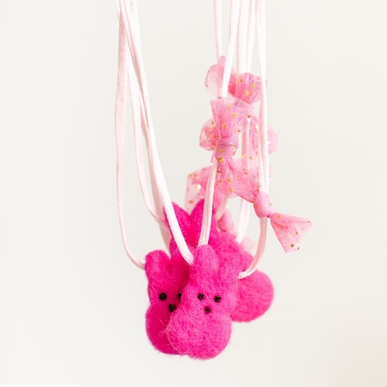 fashion accessory woolies diffusing necklace, peeps