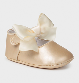 little girl mayoral mary janes with bow