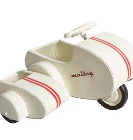 playtime maileg metal scooter w/ sidecar
