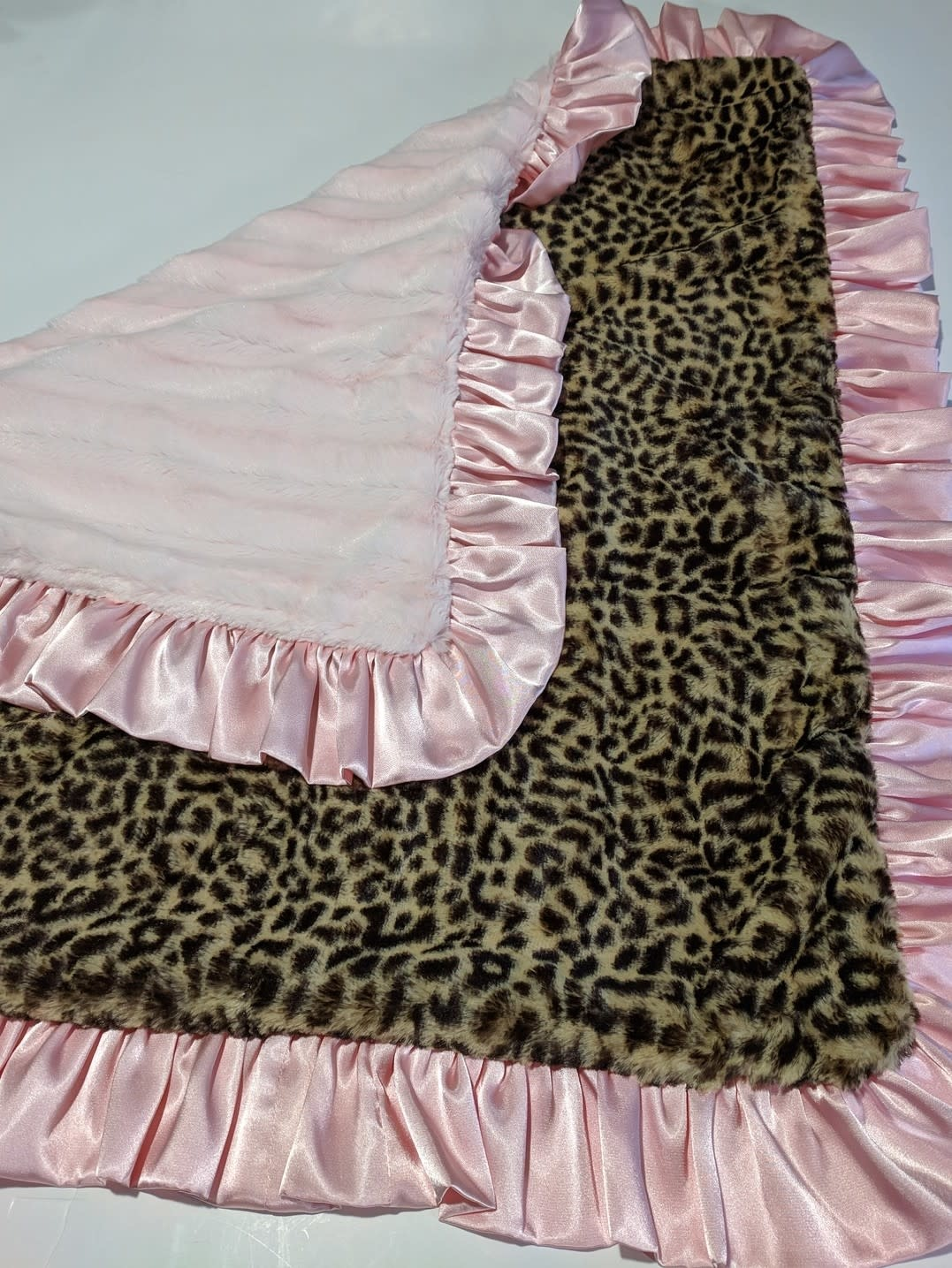 Cuddle couture Luxe Minky Blankets, 36""