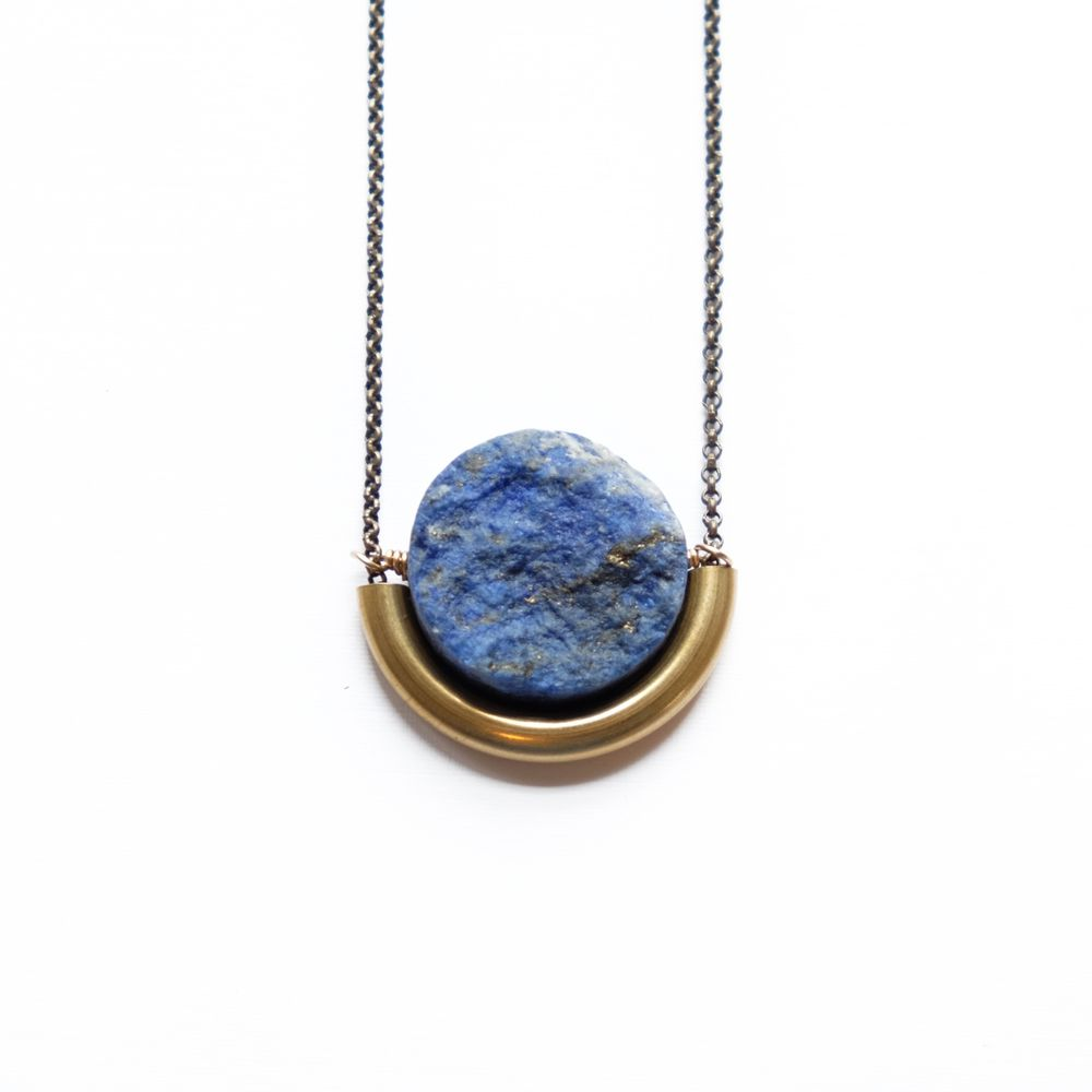 SUN AND MOON NECKLACE IN LAPIS