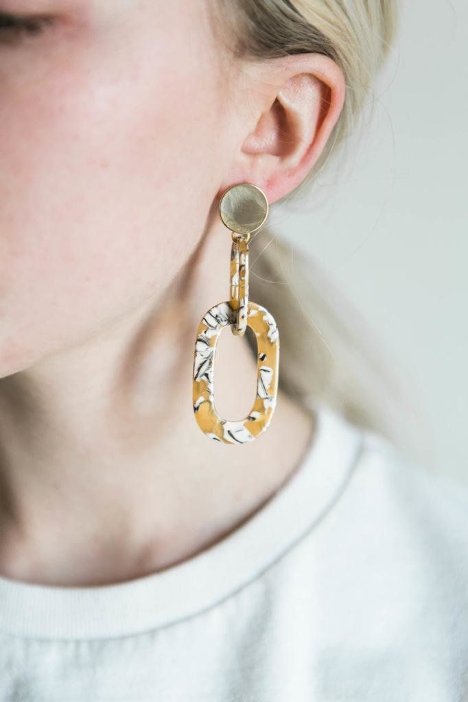 Acrylic Link Earrings in Sunshine Mix