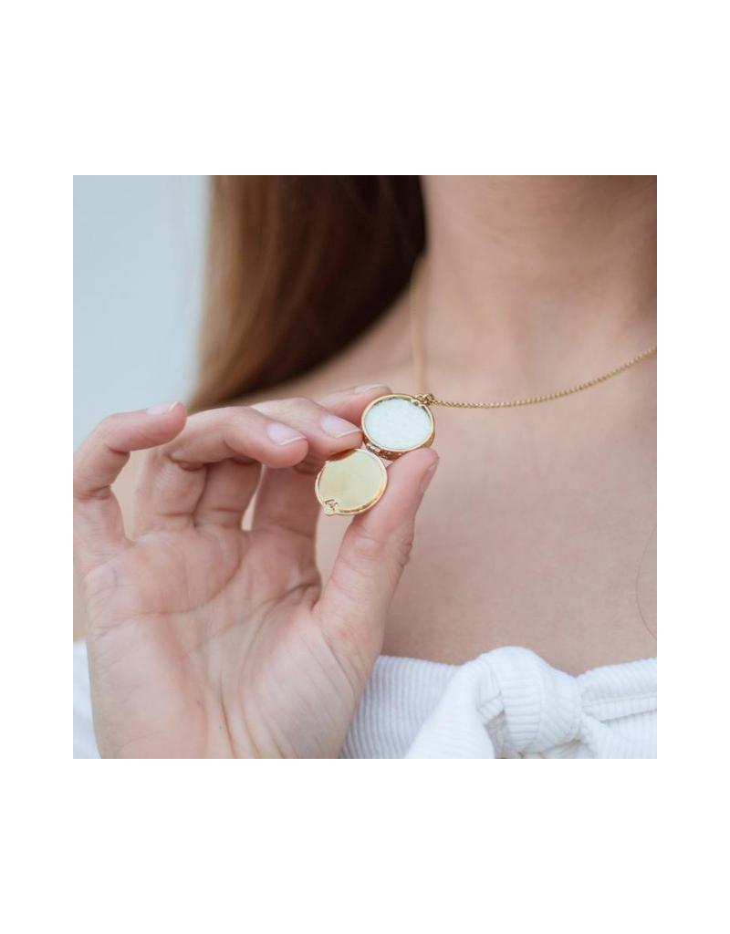 Star Aromatherapy Locket Necklace