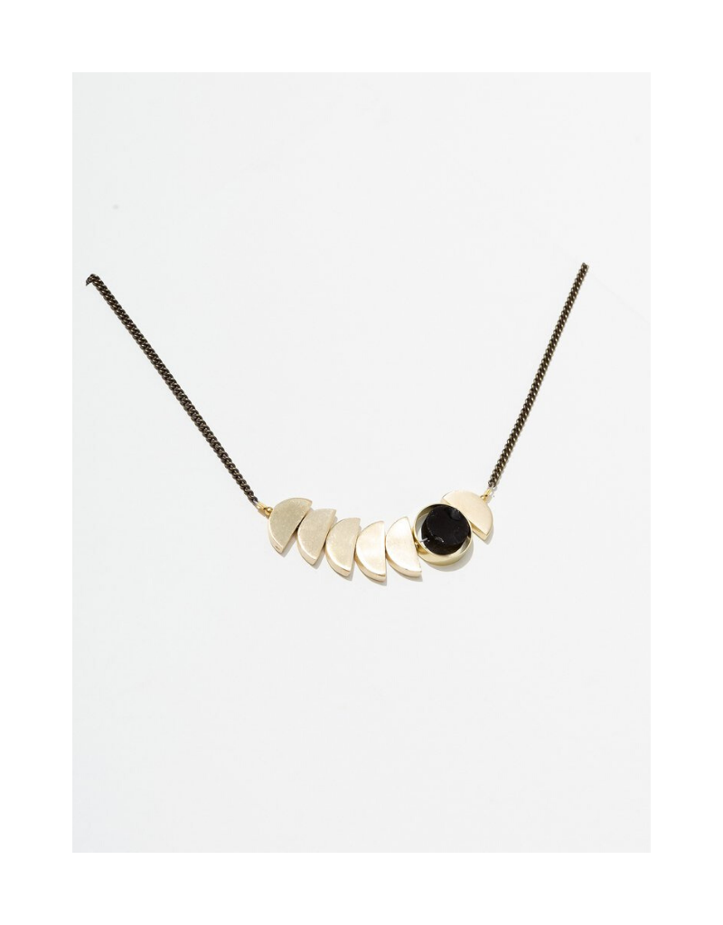 Zephyr Necklace in Onyx