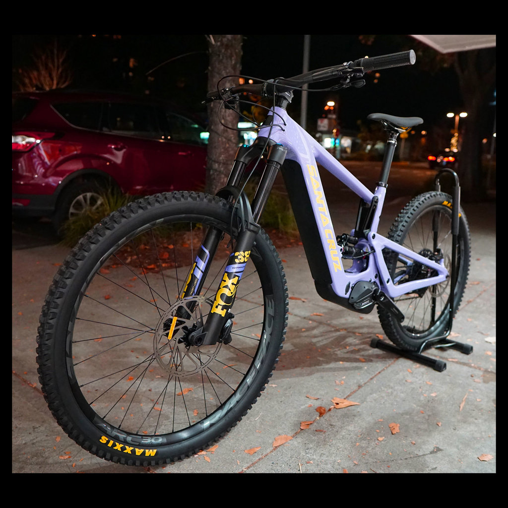 SANTA CRUZ  BICYCLES 2021 SANTA CRUZ  BULLIT CC MX S-KIT  GLOSS LAVENDER  MD
