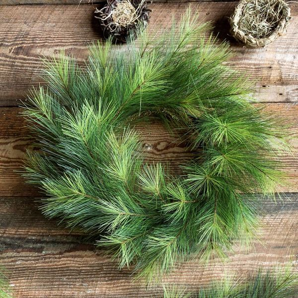 "24"" D. Greenhills Pine Wreath"