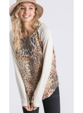 7R Animal Raglan Sleeve Top 3024