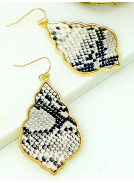LA3 Wavy Teardrop Earrings 5032