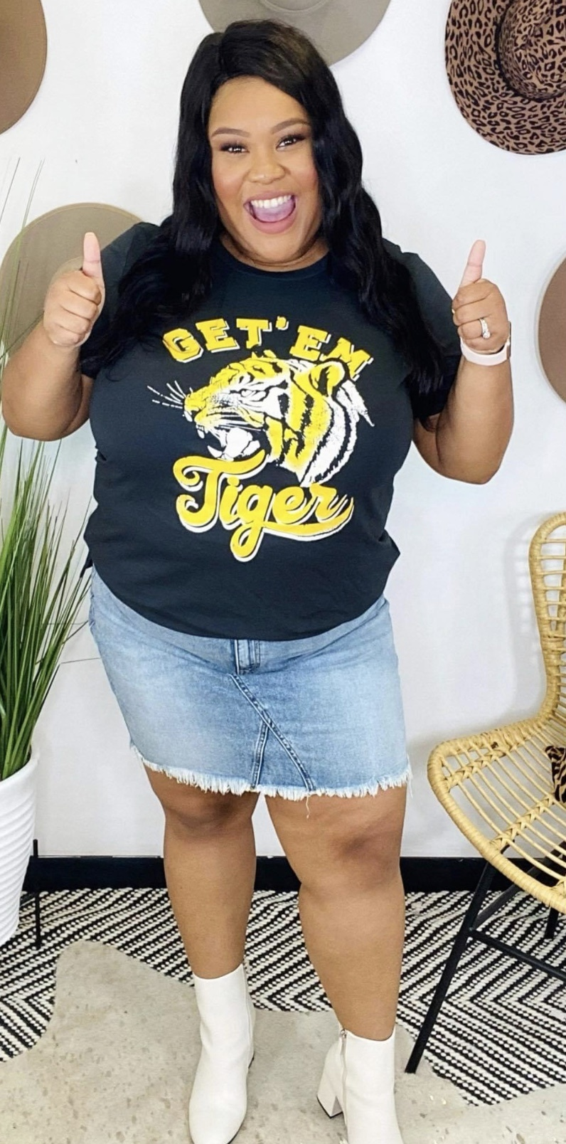 Zu Get Em' Tiger Graphic Tee 7402P