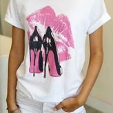 Victoria Chic T-Shirt