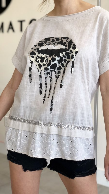 Xarie Sequin Detail  Lip Print Graphic Top