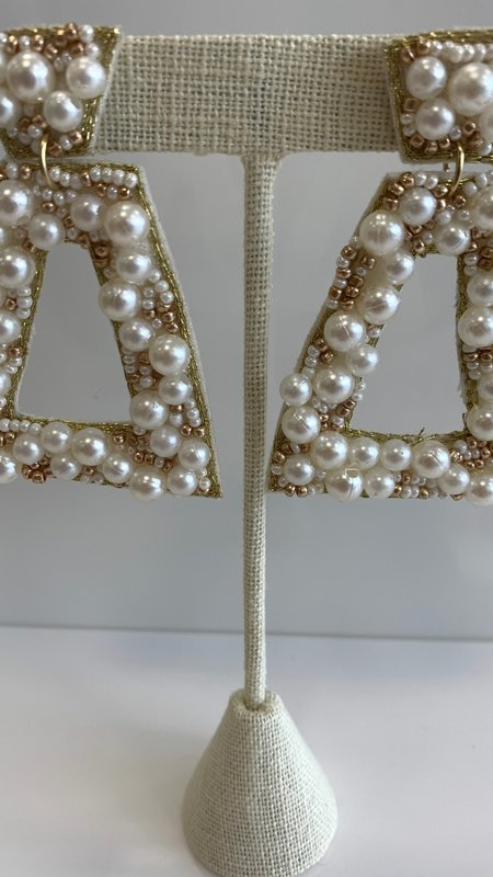 Penelope Pearl Earrings