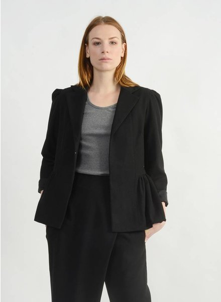 Nip Jacket - Black