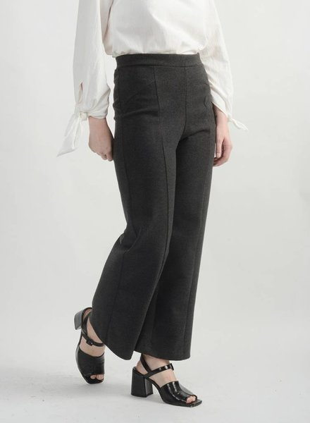 Topher Seamed Pant - Dark Grey