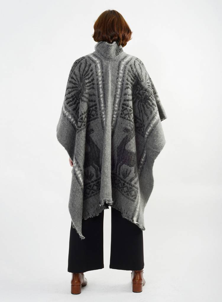Llama Poncho - Grey