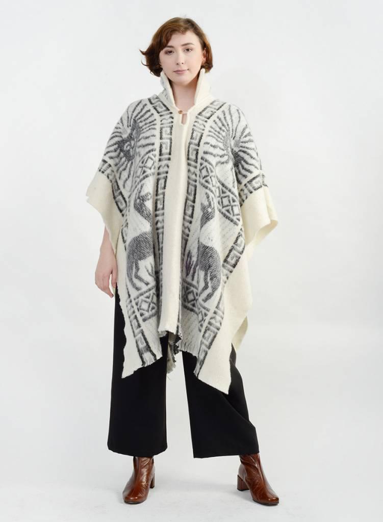 Llama Poncho - Ivory