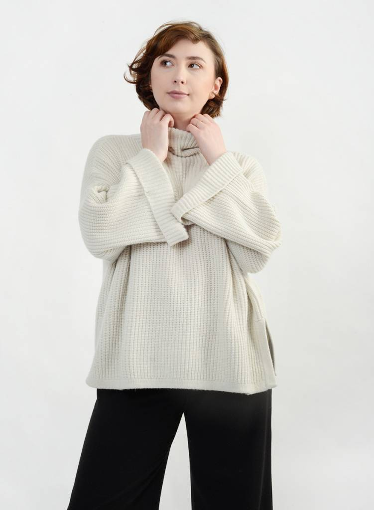 Rollneck Sweater - Ivory