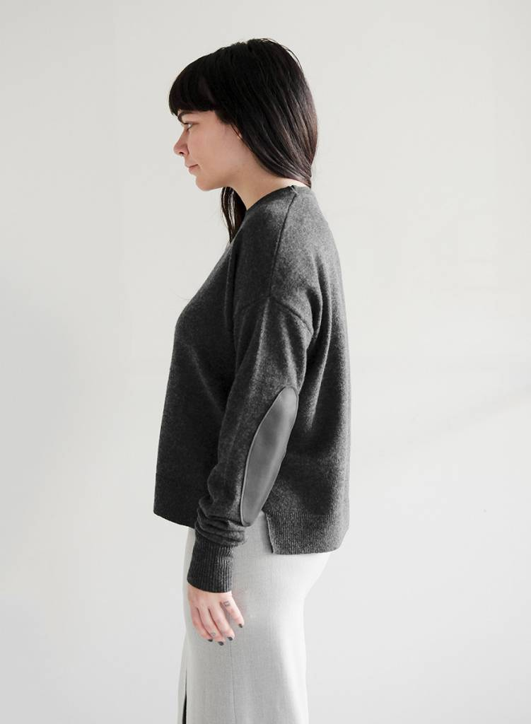 Casual Crew Neck Sweater - Crow