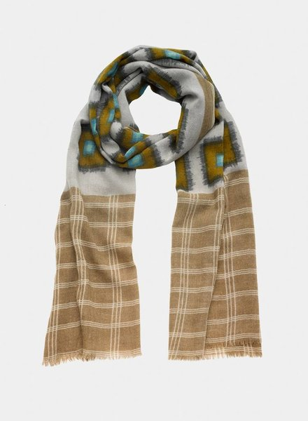 Narratives Check Scarf Med