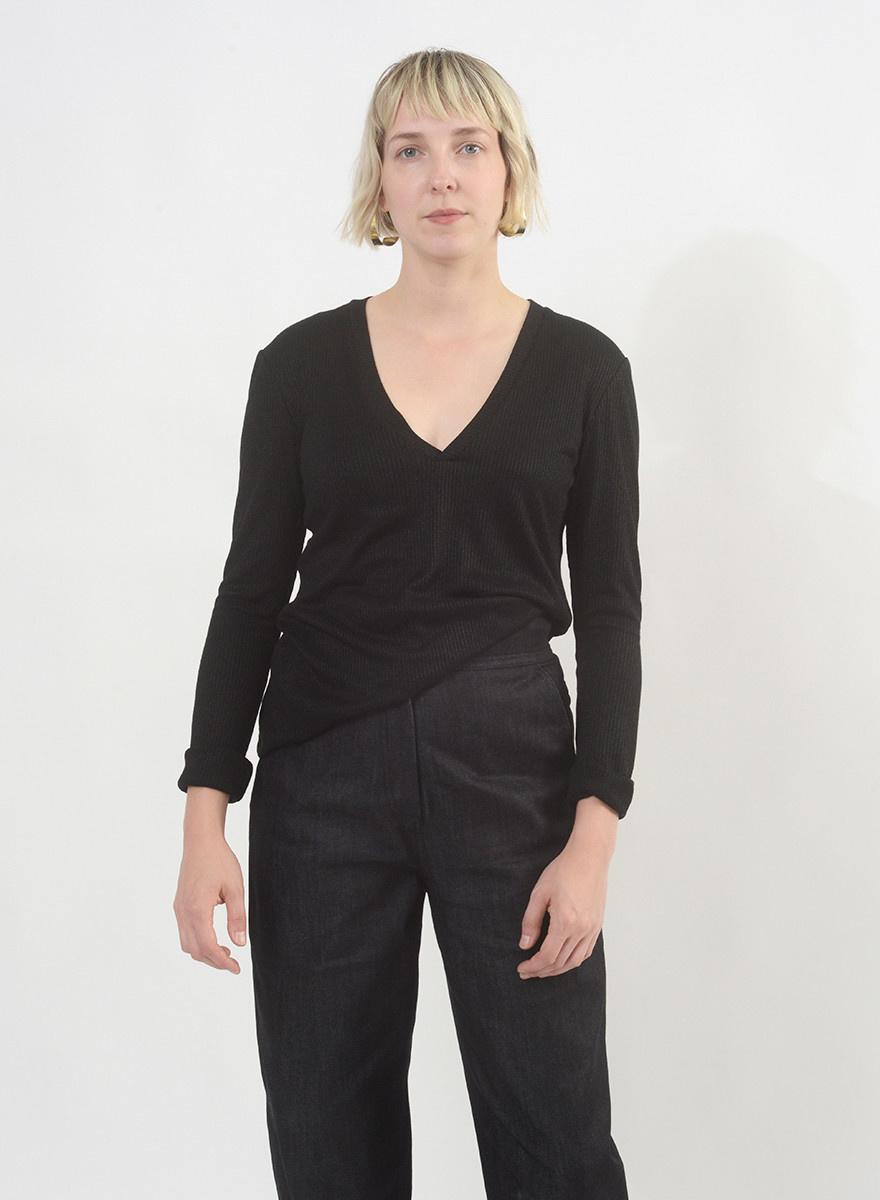 V Neck Shirt - Black