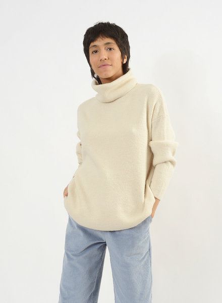 Oversized Turtleneck Sweater - Ivory