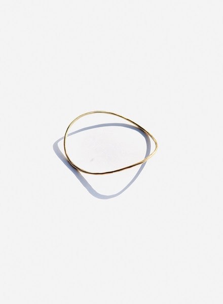 Knuckle Kiss - Sway Bangle - Brass