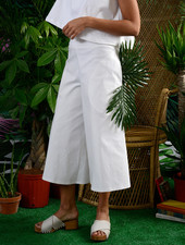 Round Pocket Pant - White