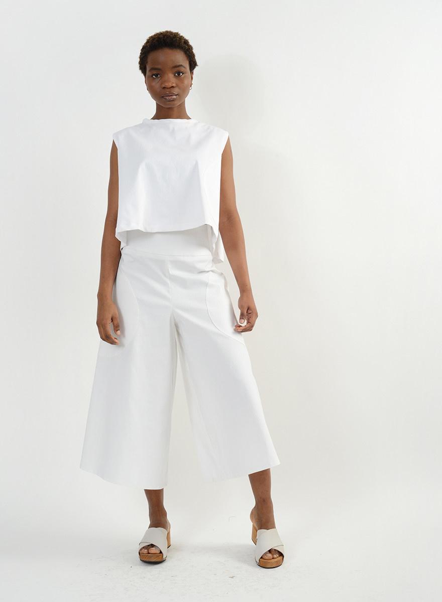 Round Pocket Top - White