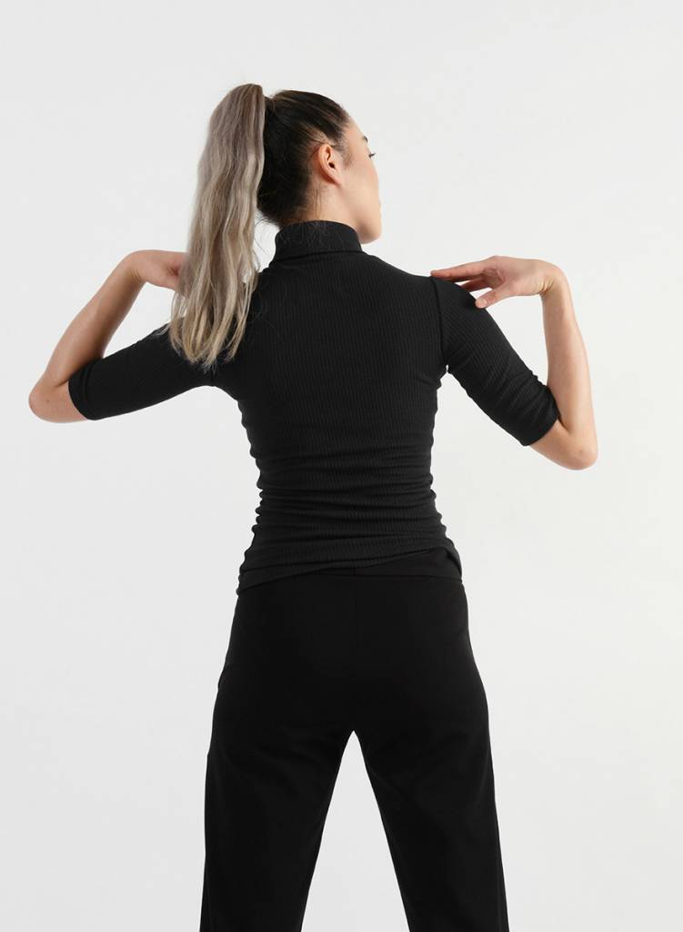 Easy Turtleneck Tee - Black