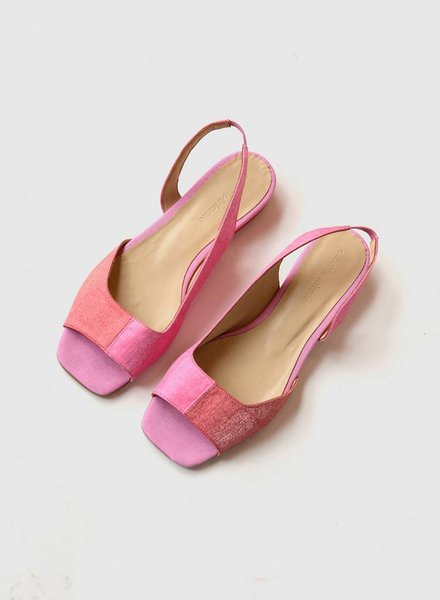 About Arianne AA Planes Sandal Blush