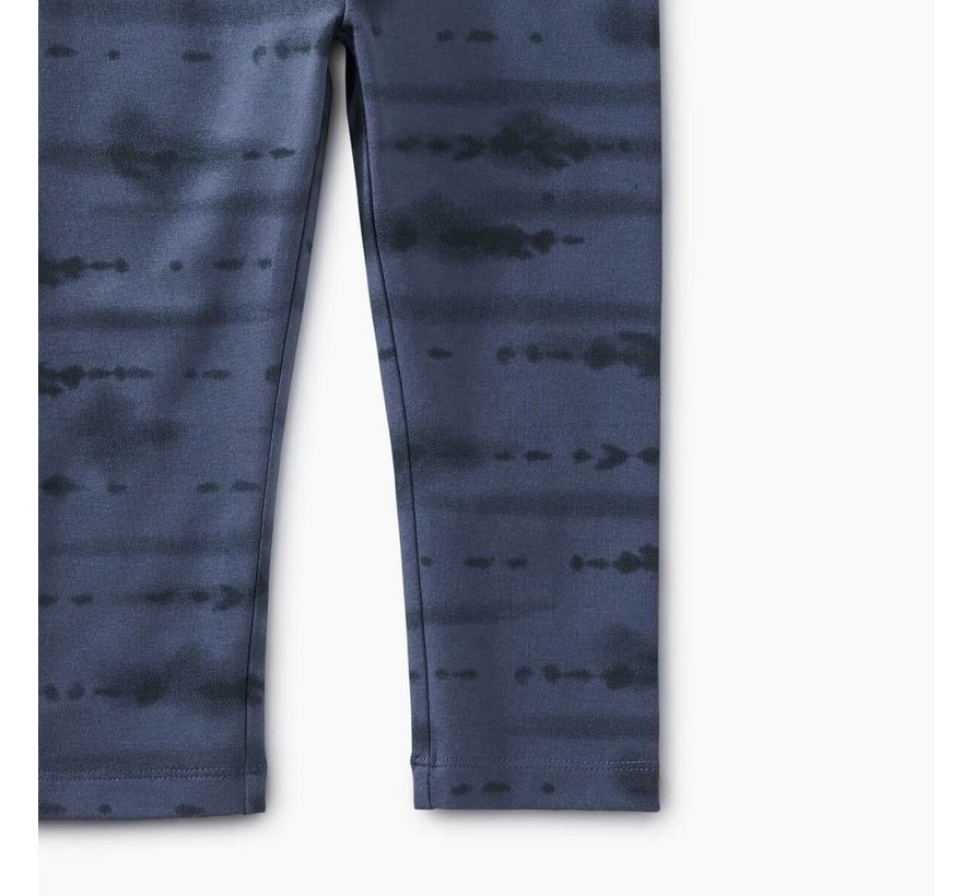 Tie Dye Capri Leggings in Indigo