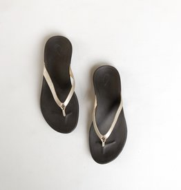 OluKai Ho'opio Leather Sandal