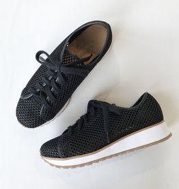 All Black Wedge mesh sneaker