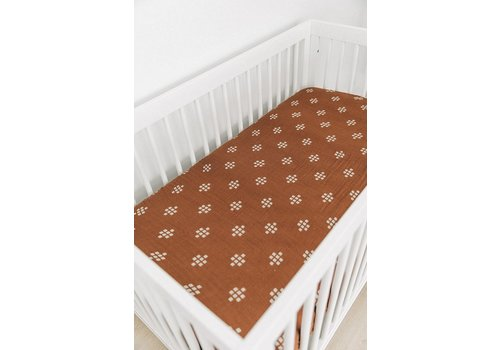 MEBIE BABY Chestnut crib sheet