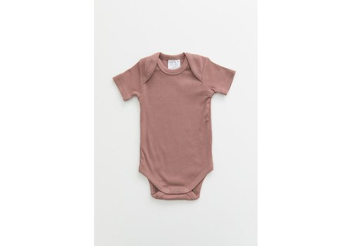 MEBIE BABY Dusty rose organic cotton ribbed bodysuit